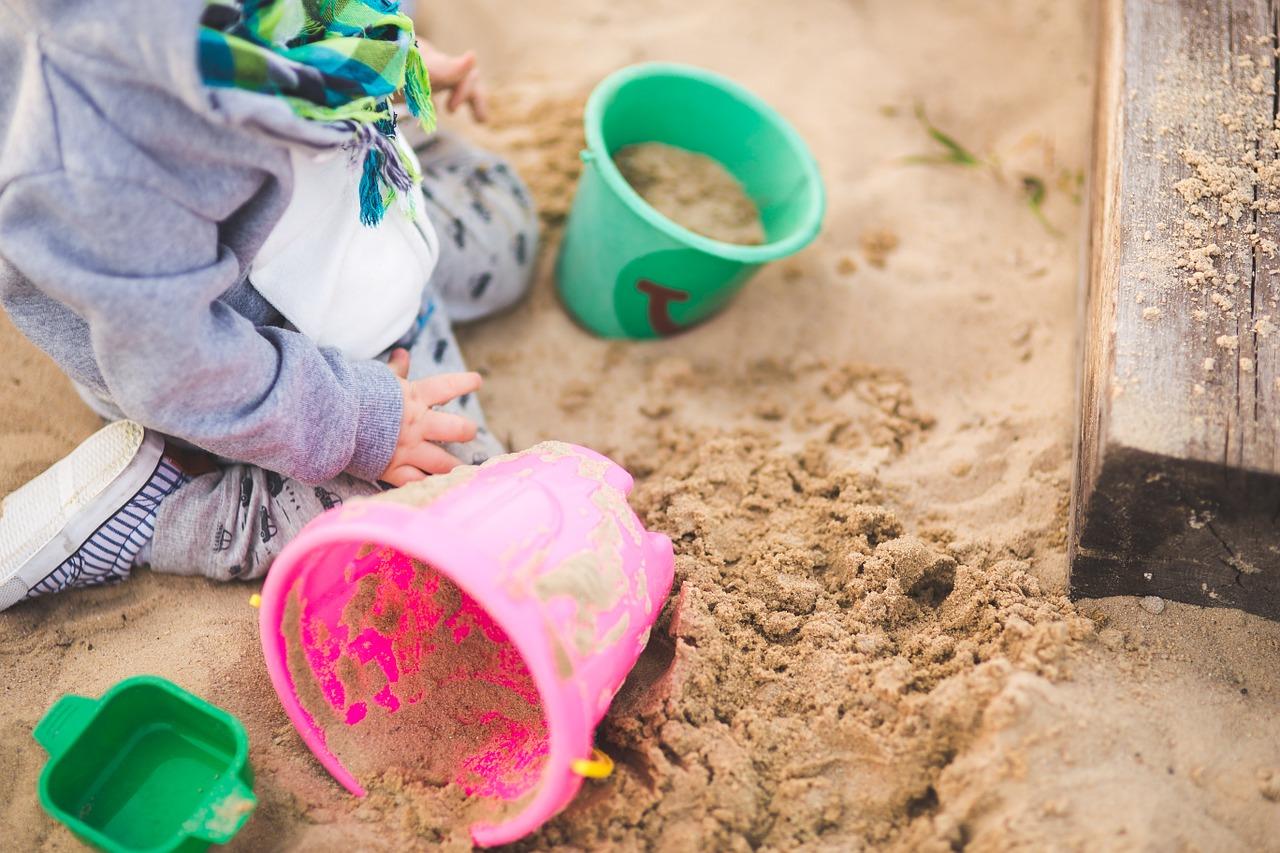 Zabawki w piaskownicy